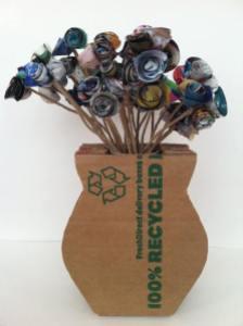 Con material reciclado en el CC El Tormes